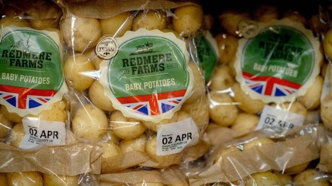 Tesco removes 'best before' dates on some fruit and veg
