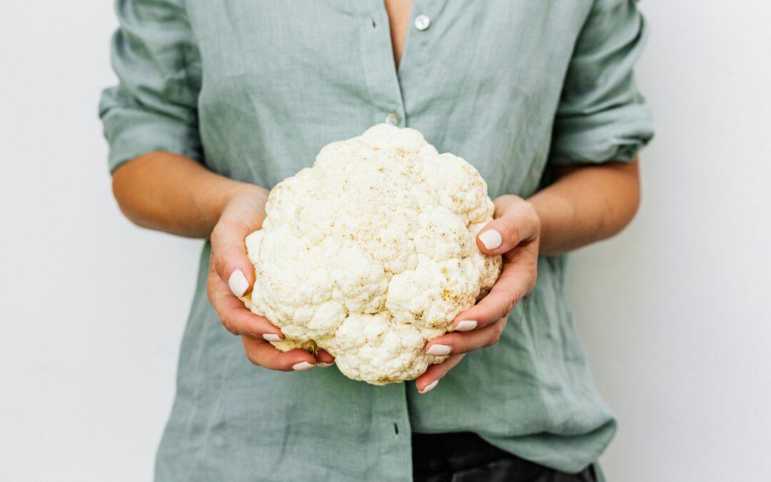 Gezonde snack gemaakt van misvormde bloemkool